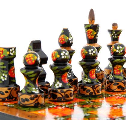 Jeux d'échecs en bois peints