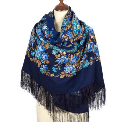 Sciarpa in lana con frange in seta. Modello: Deary. Progettista: Clara Zinovieva